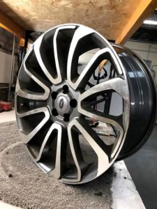 Scratched diamond cut alloy wheel without rubber