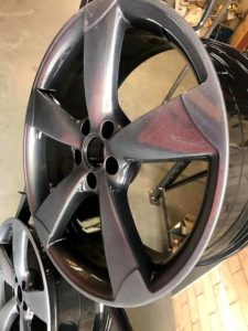 silver diamond cut alloy wheel without rubber